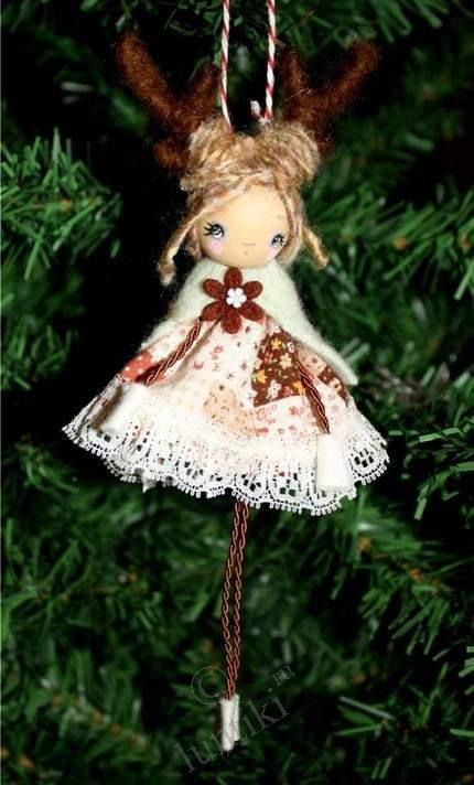 Новогодние украшения для кукол своими руками 74