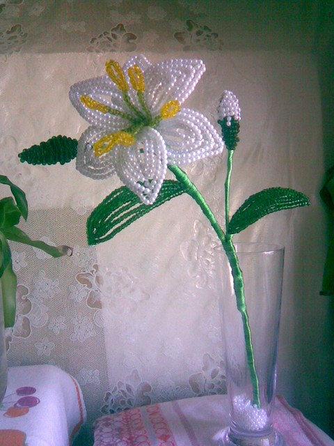 Белые цветы из бисера мастер класс с пошаговым фото
