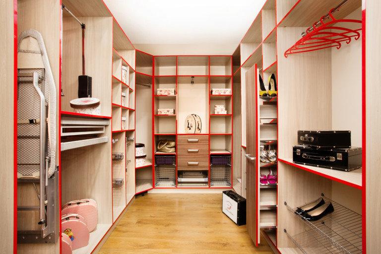 Видео гардеробная комната своими руками