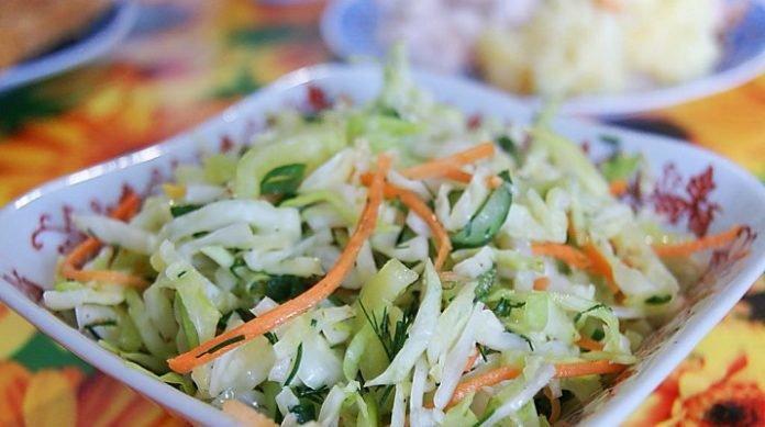 Салат из капусты и моркови и огурцов рецепт