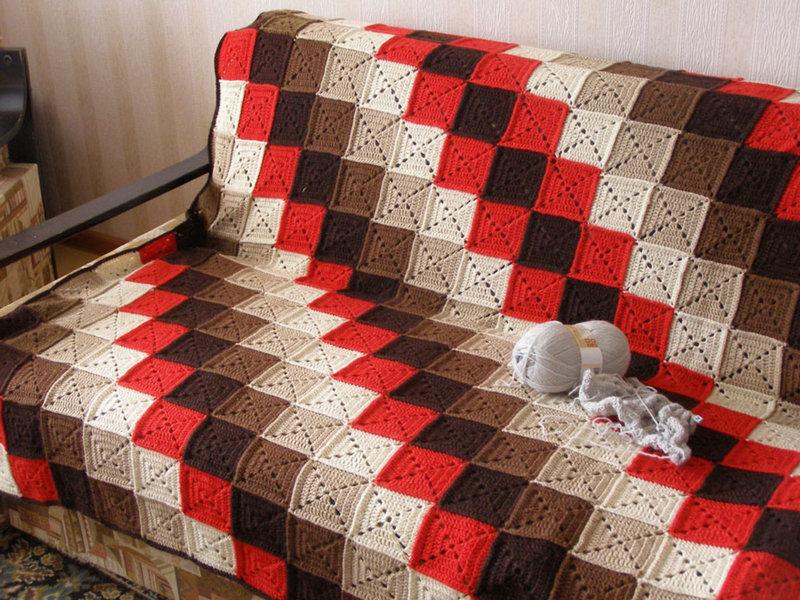 Одеяло вязанное из квадратиков