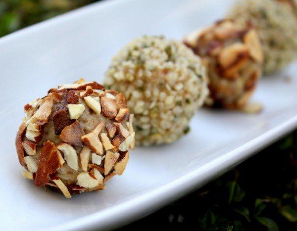Конфеты из сухофруктов и орехов с овсяными хлопьями 24