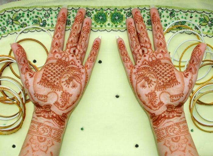 Значения индийские тату на руках