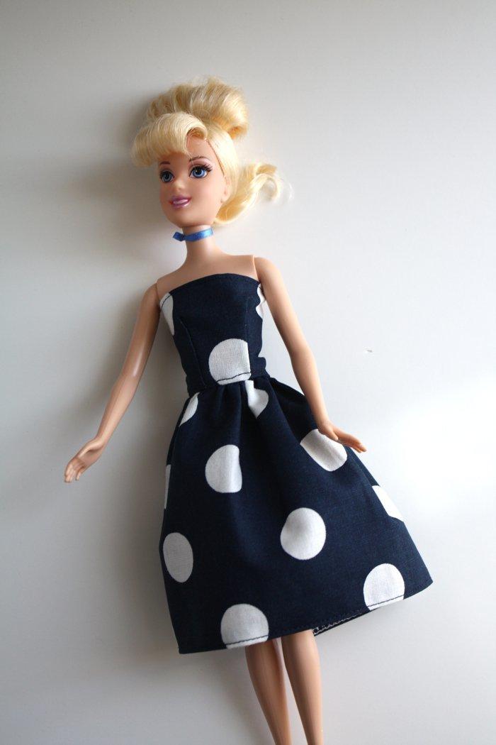 Шить платья для кукол своими руками без машинки 44