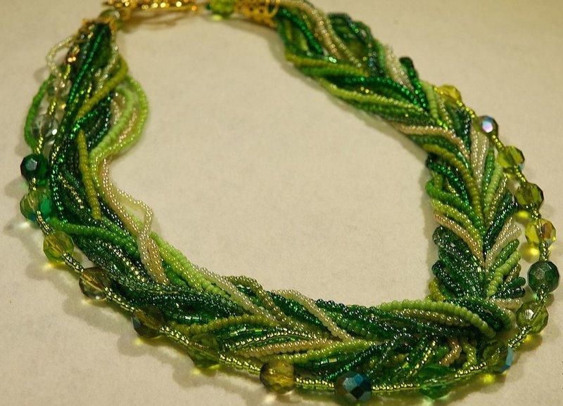 Ожерелье из стекляруса
