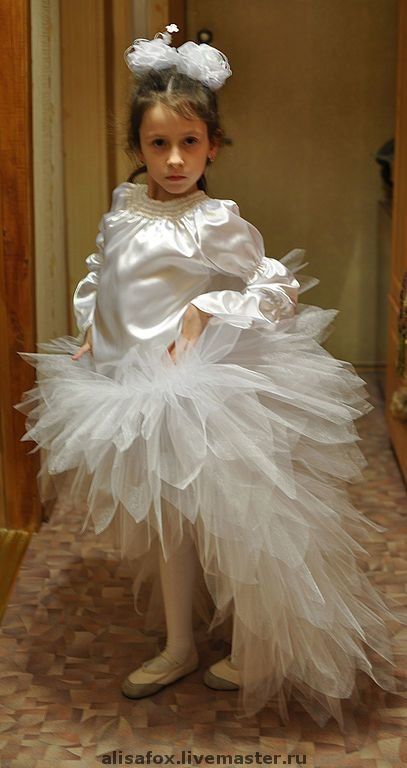 Как сшить юбку хризантему из фатина со шлейфом 77