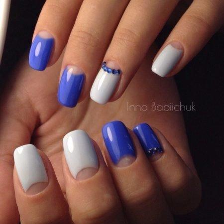 Ногти с белой лункой