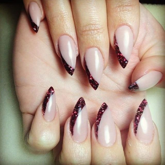 Фото ногтей острый миндаль
