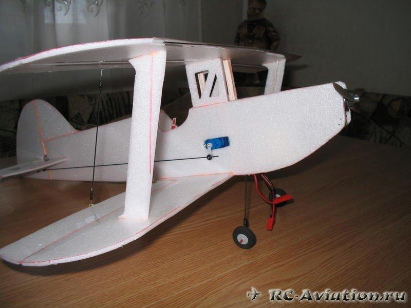 Электро самолет из потолочной плитки