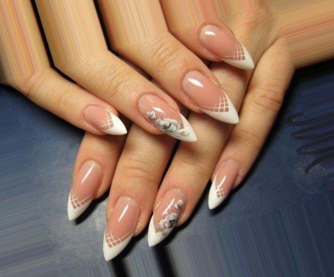 Белый френч на острых ногтях