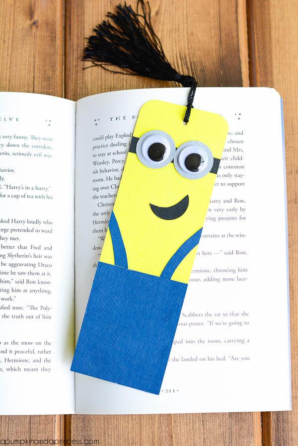 Как сделать закладку для книги своими руками из бумаги фото