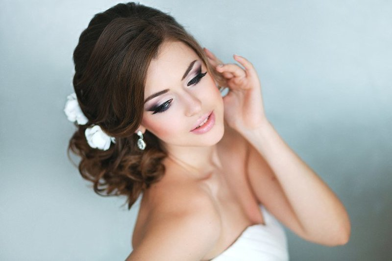 Свадебные прически и макияж и
