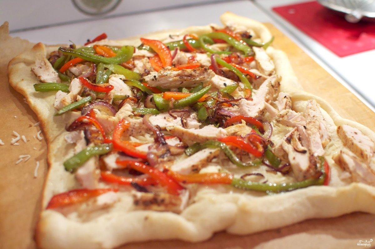 Пицца с курицей пошагово