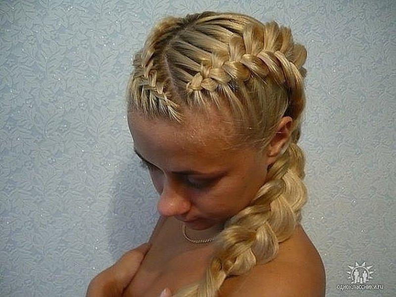 Прически с косами наружу