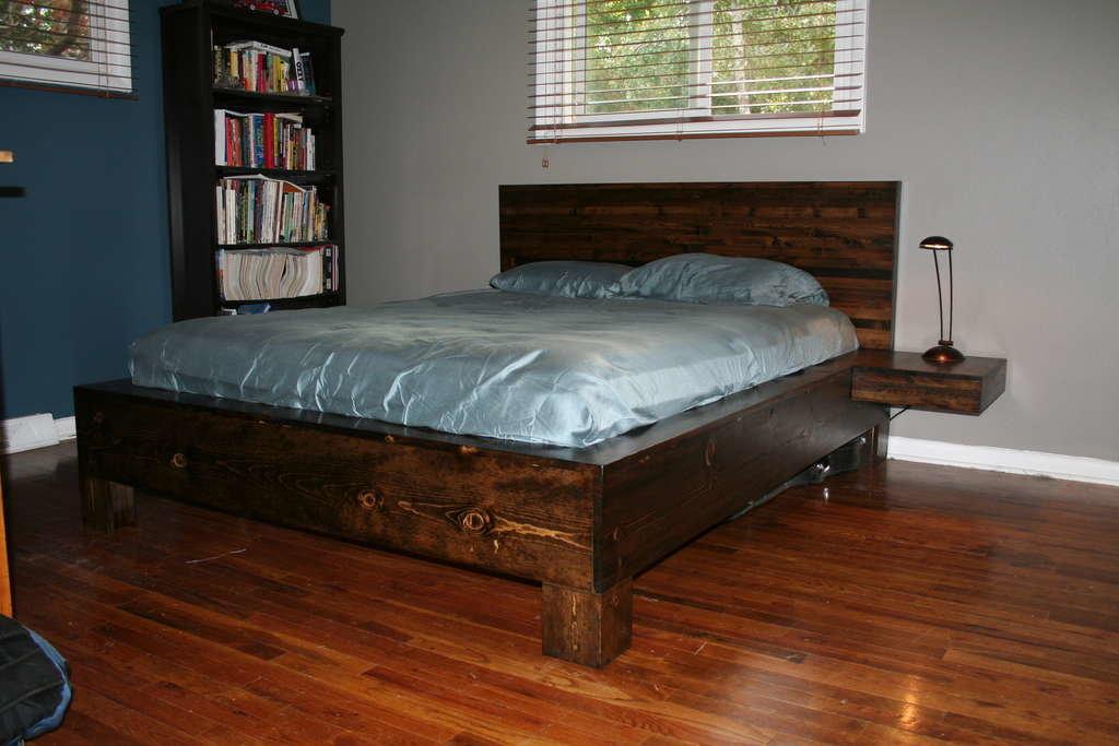 Самодельные двуспальные кровати изготовленные