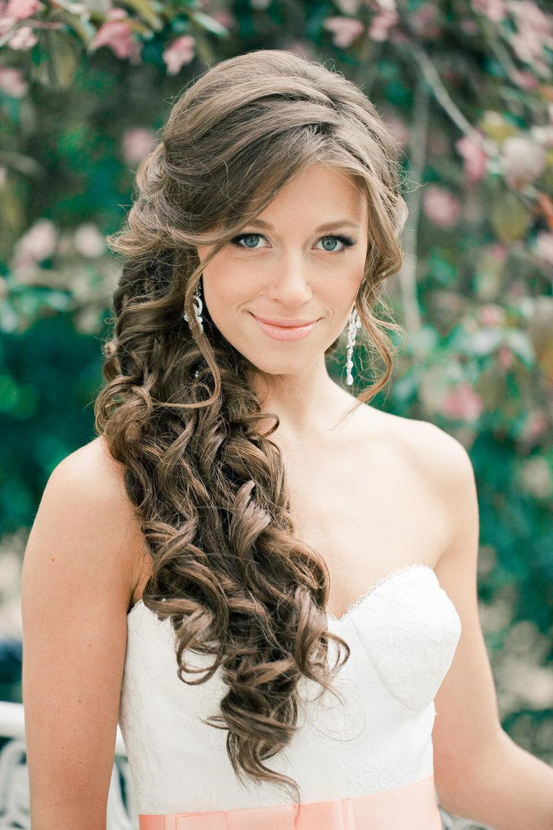 Свадебные прически на длинные волосы кудри на бок