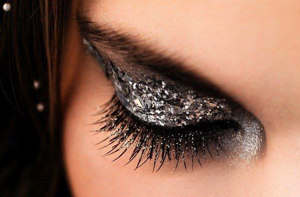 Блестящие глаза как сделать 350