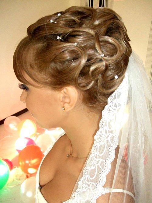 Свадебные прически на средние жидкие волосы фото