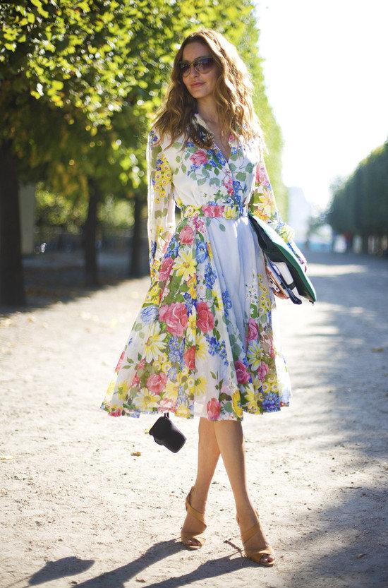 Длинное платье с цветами с чем носить
