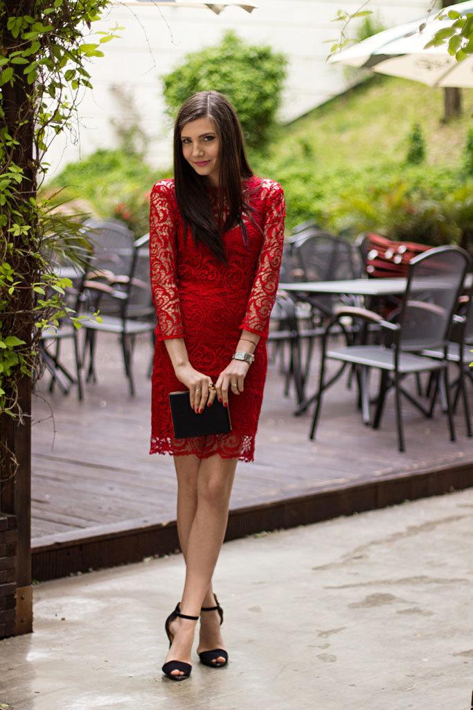 Кружевные туфли с платьем