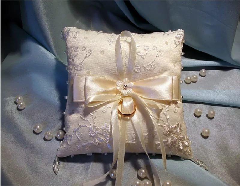 Подушечка свадебная своими руками 14