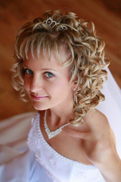 Фото красивых причесок на свадьбу на короткие волосы
