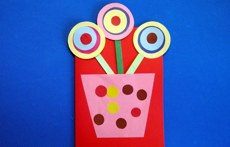 Поделка для бабушки из цветной бумаги