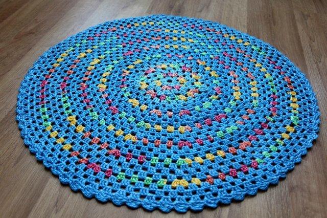 Вязание ковриков пакетов мусора