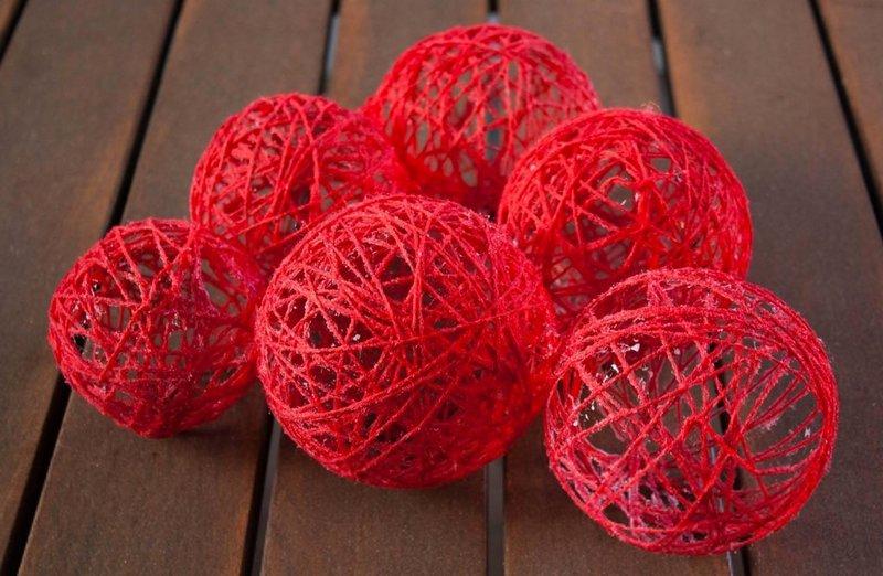 Поделки своими руками из ниток шарики