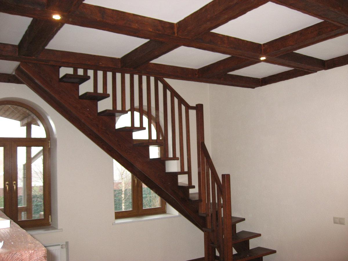Косоур своими руками для лестницы 29