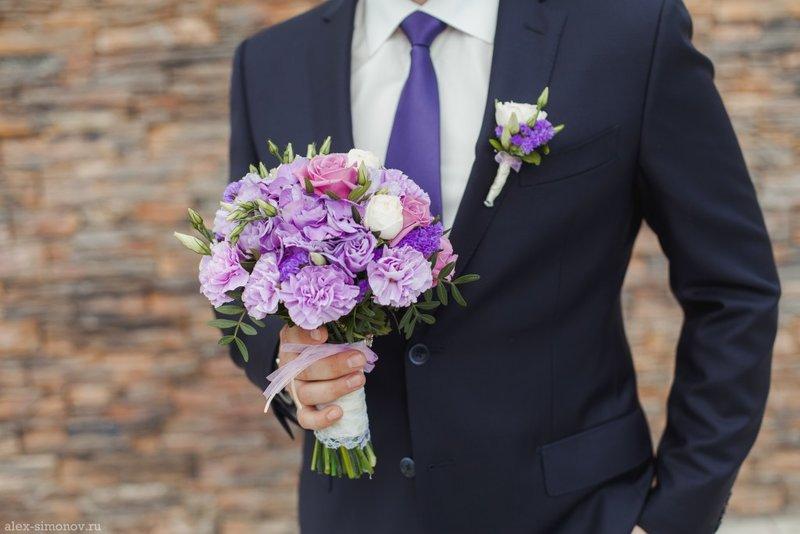 Фото свадебных букетов с сиреневыми цветами