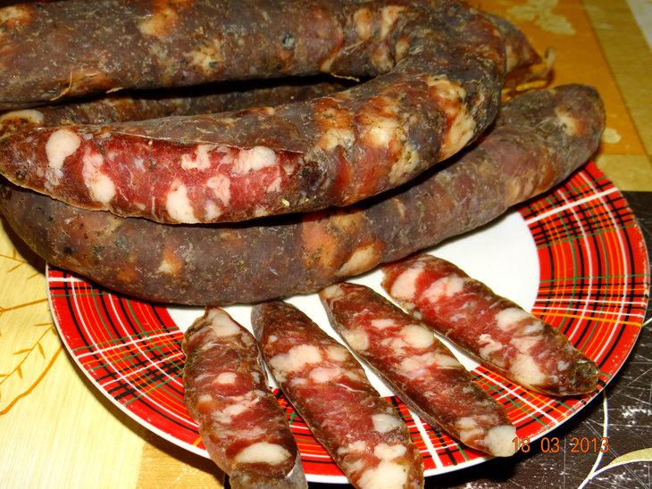 Сыровяленая колбаса Коллекция изображений