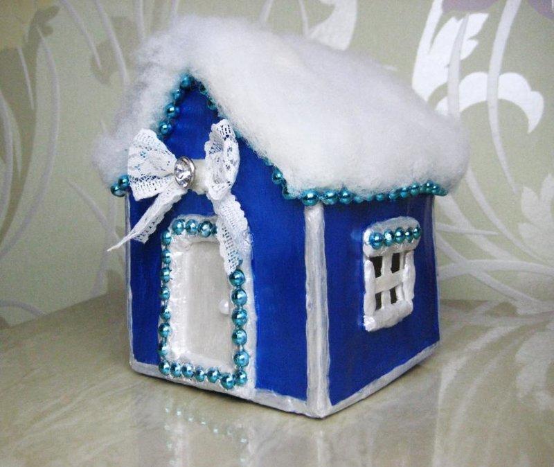 Как сделать новогоднюю поделку дом