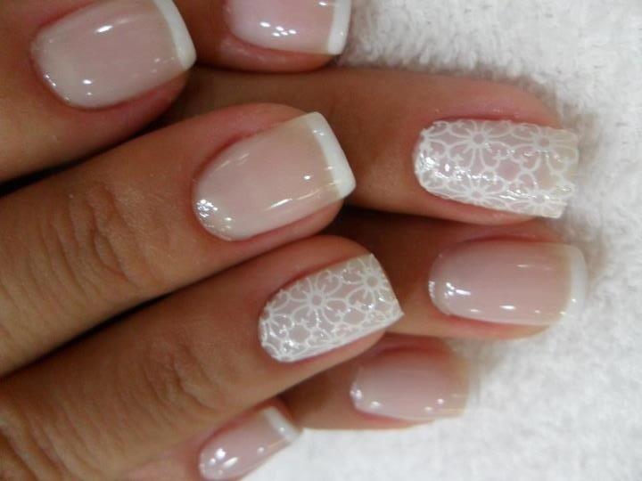 Фото ногтей френч с дизайном белый