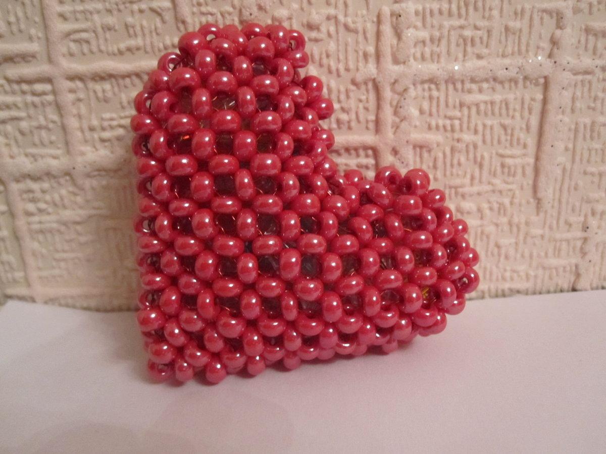 Как из бисеров сделать сердце из 812
