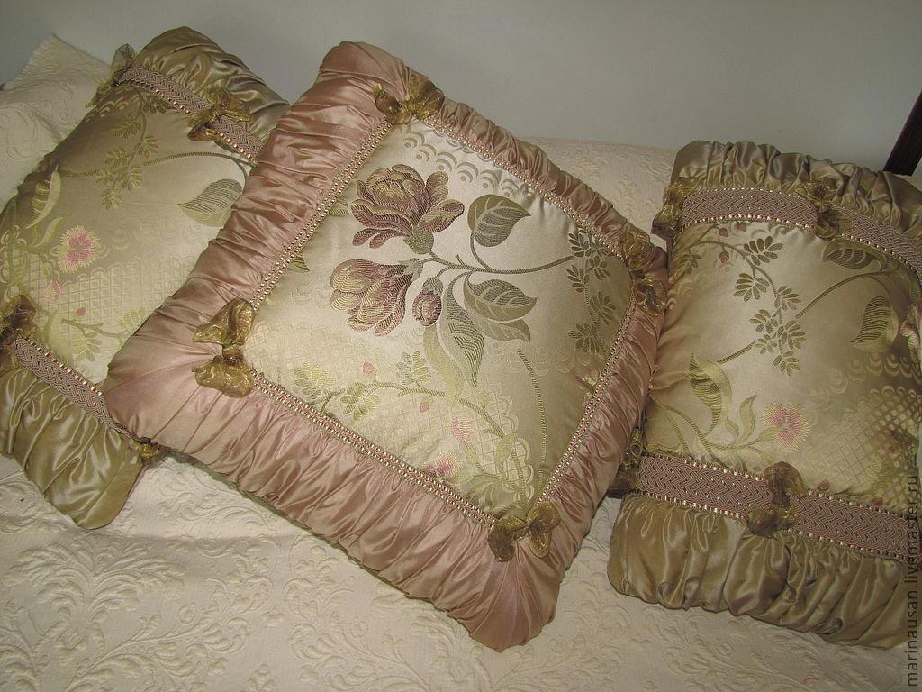 Как сшить диванную декоративную подушку своими руками 131