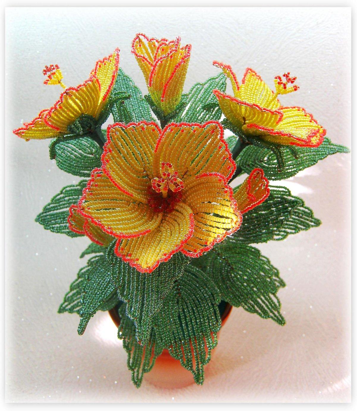 Показать поделки из бисера цветы 82