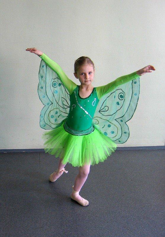 Бабочка для танцев своими руками