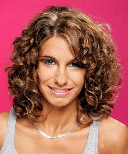 Прически на волосы средней длины кудрявые волосы