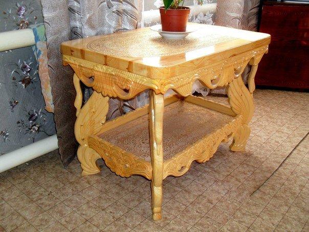 Классический стол из дерева своими руками