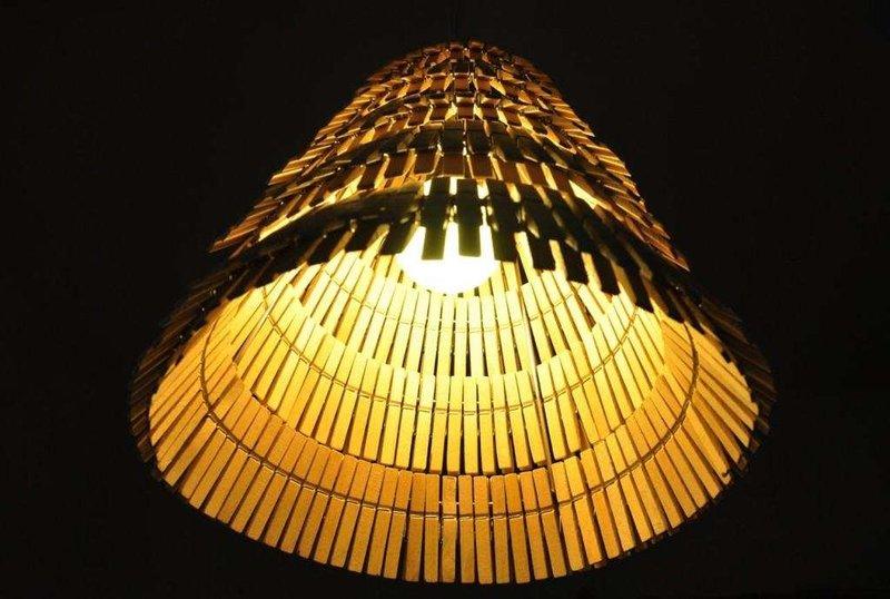 Светильники из прищепок