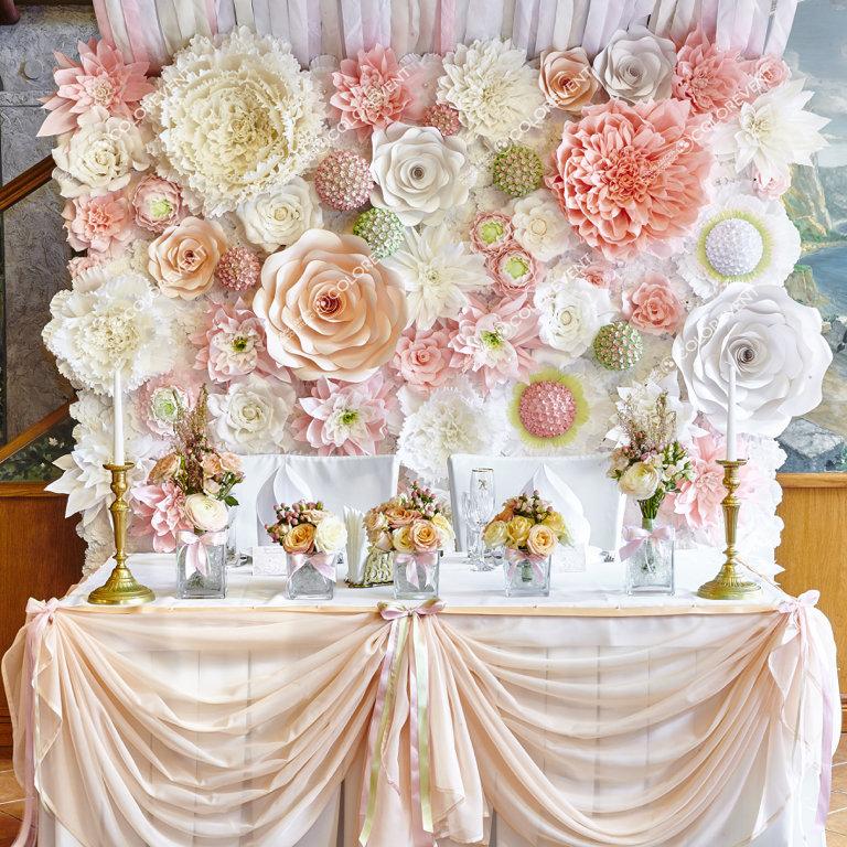 Украшение свадьбы бумажными цветами