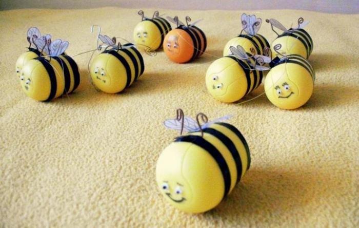 Пчелки своими руками из киндера