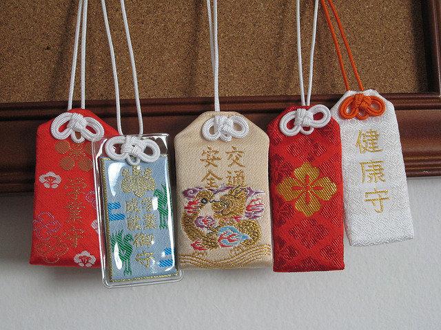 Японские амулеты омамори