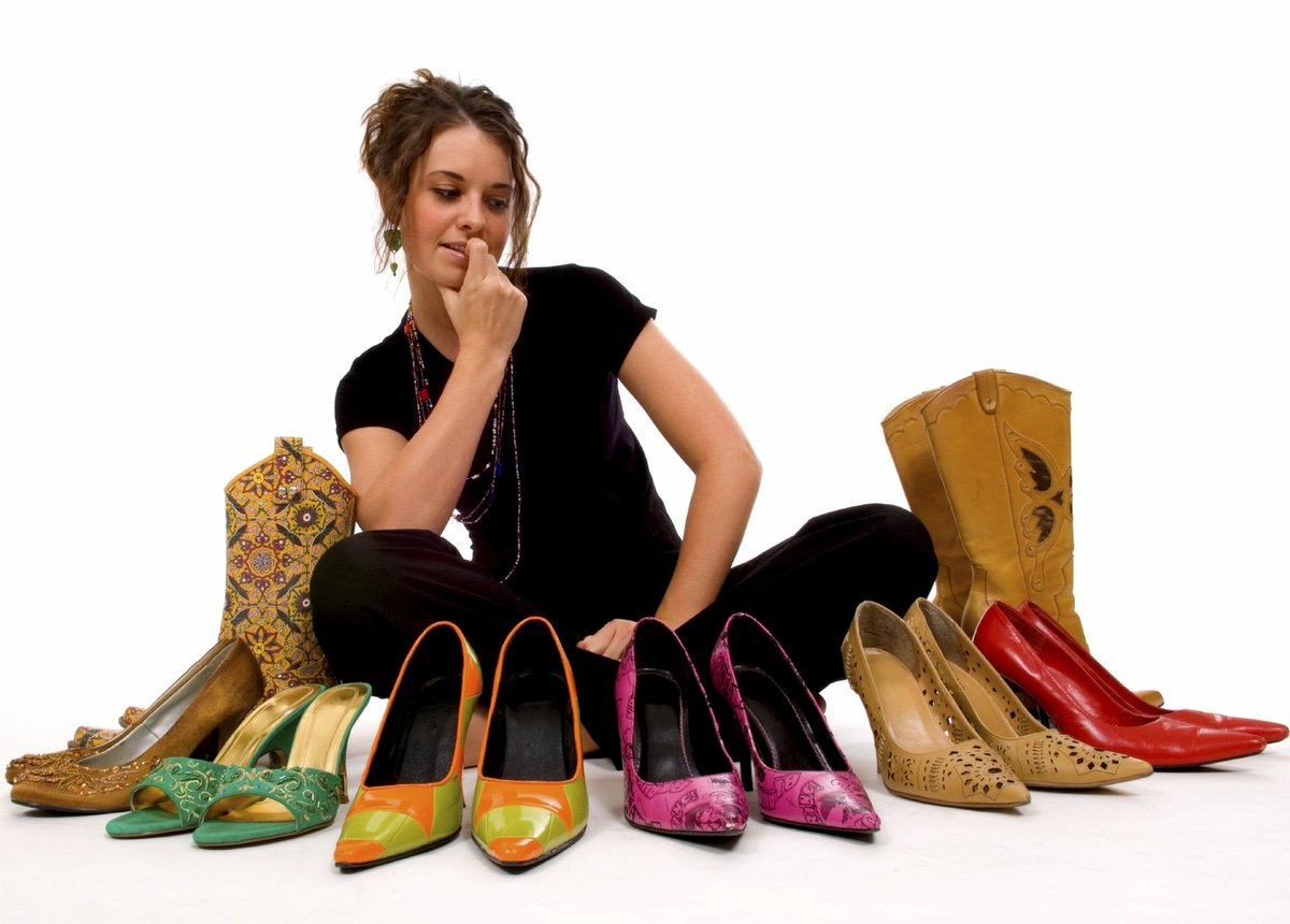 Устраняет запах из обуви в домашних условиях