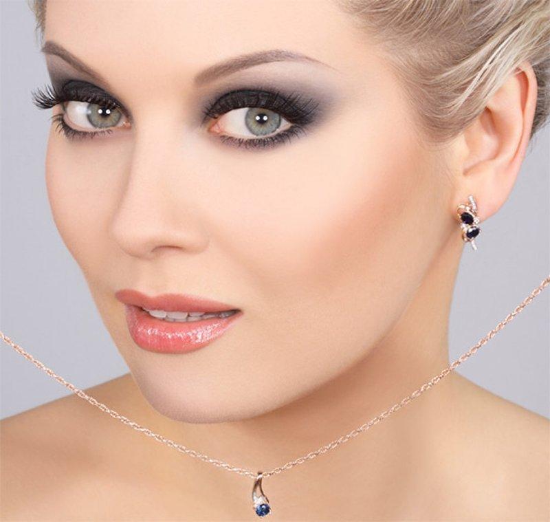 Фото вечернего макияжа на серо голубые глаза