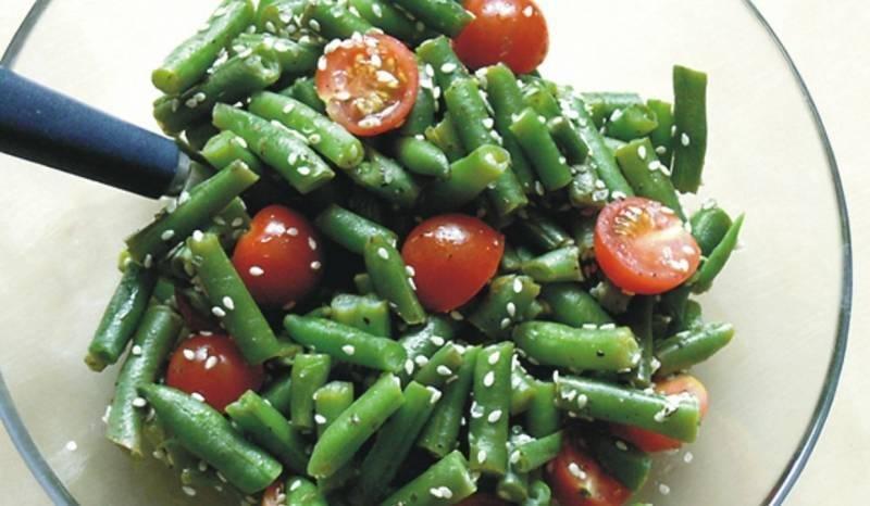 Салат из зеленой фасоли с курицей