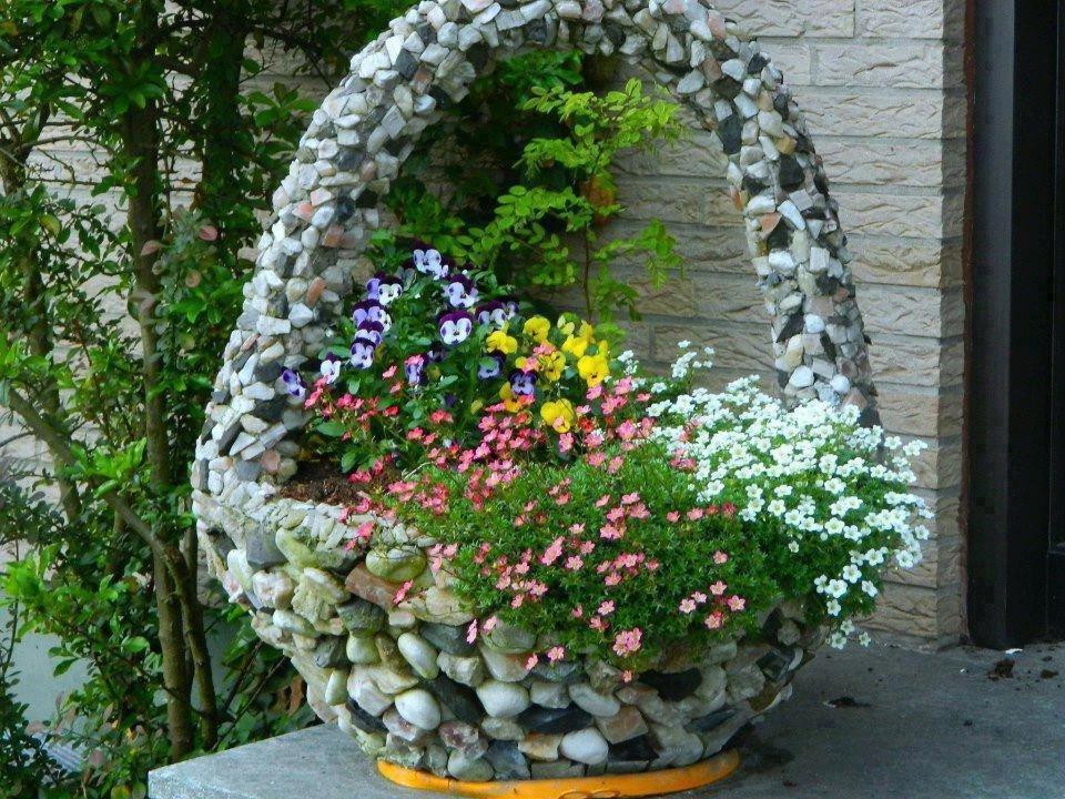 Клумбы и цветники своими руками из камня фото