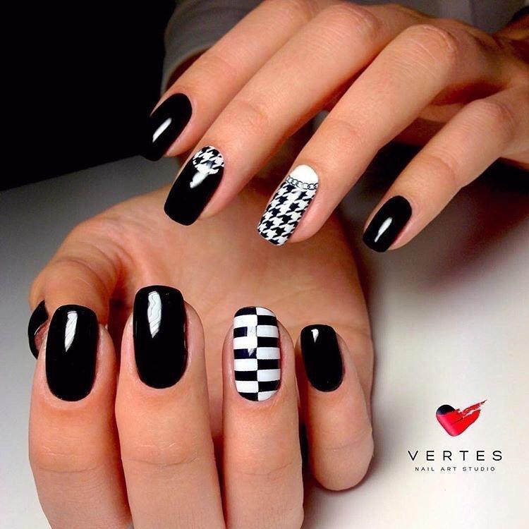 Черные белые ногти