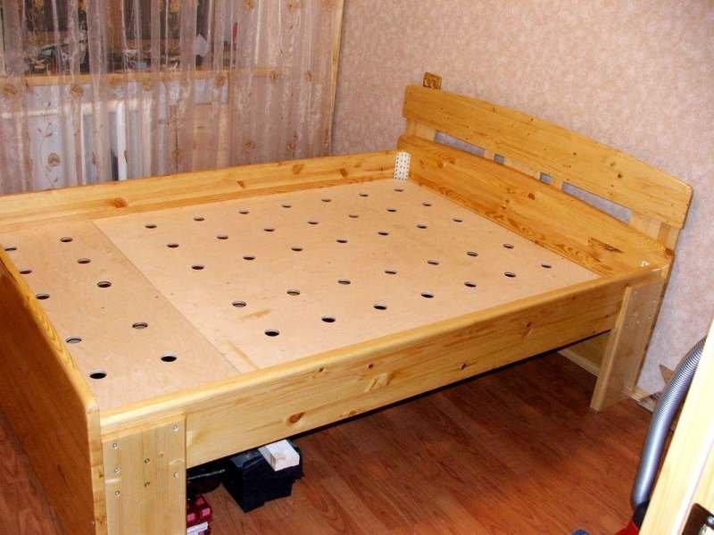 Кровать односпальная из фанеры
